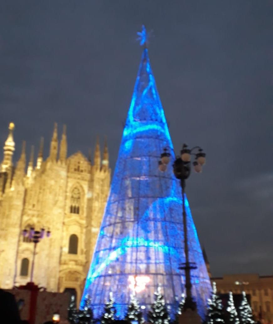 Albero Di Natale Milano.Natale Mercatini Alberi Di Natale Luminarie E Presepi