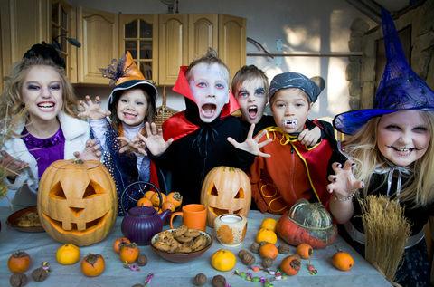 Halloween Per Bambini.Festa Di Halloween In Casa Tutorial Per Non Impazzire Radiomamma